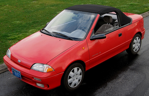 The Geo Metro LSi convertible featured a 1.0-liter three cylinder engine